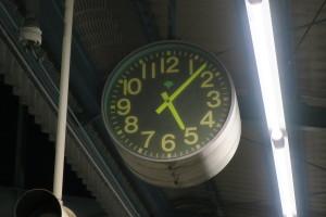 5時12分の始発を待ってます!