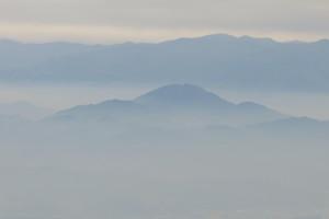 熊本空港着陸直前に窓から見える阿蘇です。この景色に癒されます!