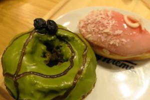 以前、弊社所員とともに熊本支店に向かう羽田空港でたべたドーナツです!飛行機搭乗のギリギリの時間まで業務をしているので甘いものが食べたくなります!