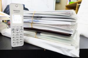 申請書と立証資料の厚さです!申請書を審査している時に膨大な立証資料の中から審査官から指示された箇所を10秒以内にで提示します。