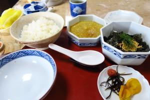 三角駅近くの食堂で食べた「鯛茶漬け」です!美味しかったです!帰りの電車の中で相談業務もしっかりと進めることができました。